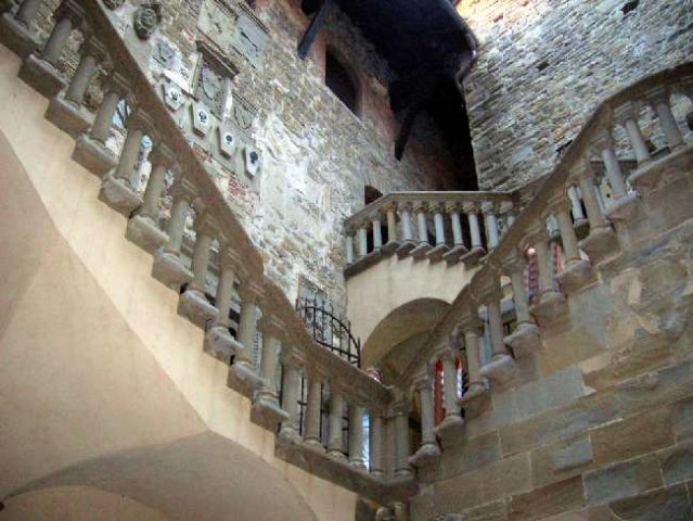 Poppi: interno castello